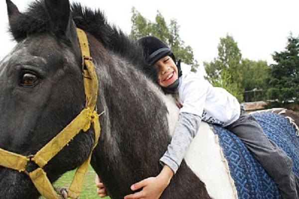 Beneficios de la equino terapia en niños